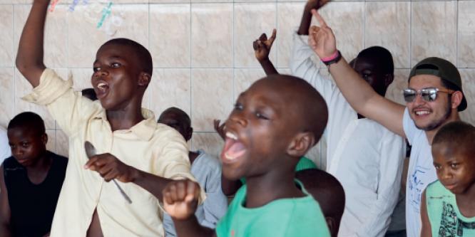 Des jeunes bruxellois au Bénin